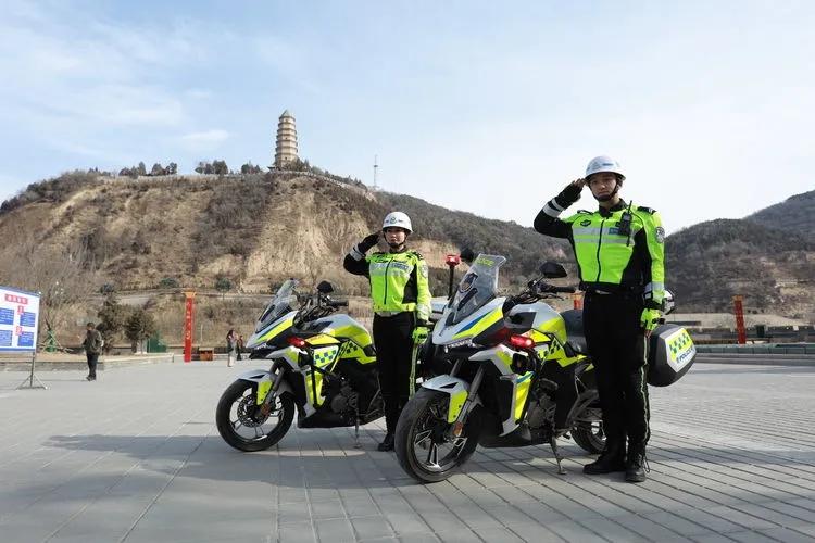 致敬圣地公安交警2020年的努力 期待延安交管事业2021年的辉煌